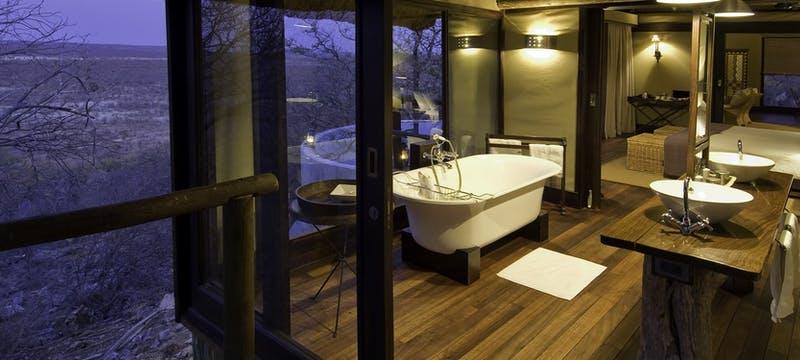 Bathroom at Little Ongava Lodge