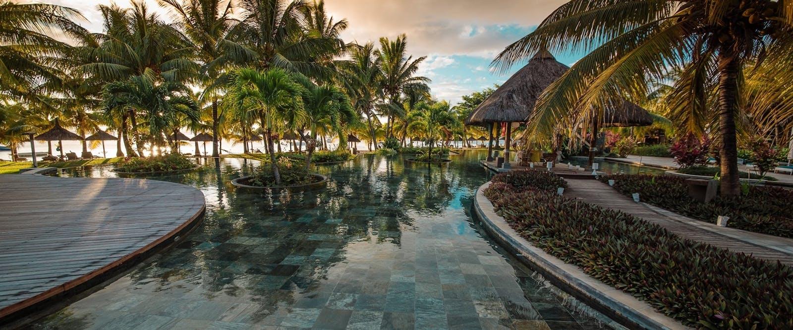 Lux Le Morne Mauritius World Renowned Luxury Hotel Afrika Et Tour Horseback Riding 12 Oasis Pool At