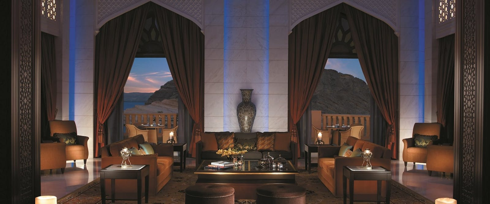 Lobby lounge at Shangri-La's Al Husn Resort & Spa
