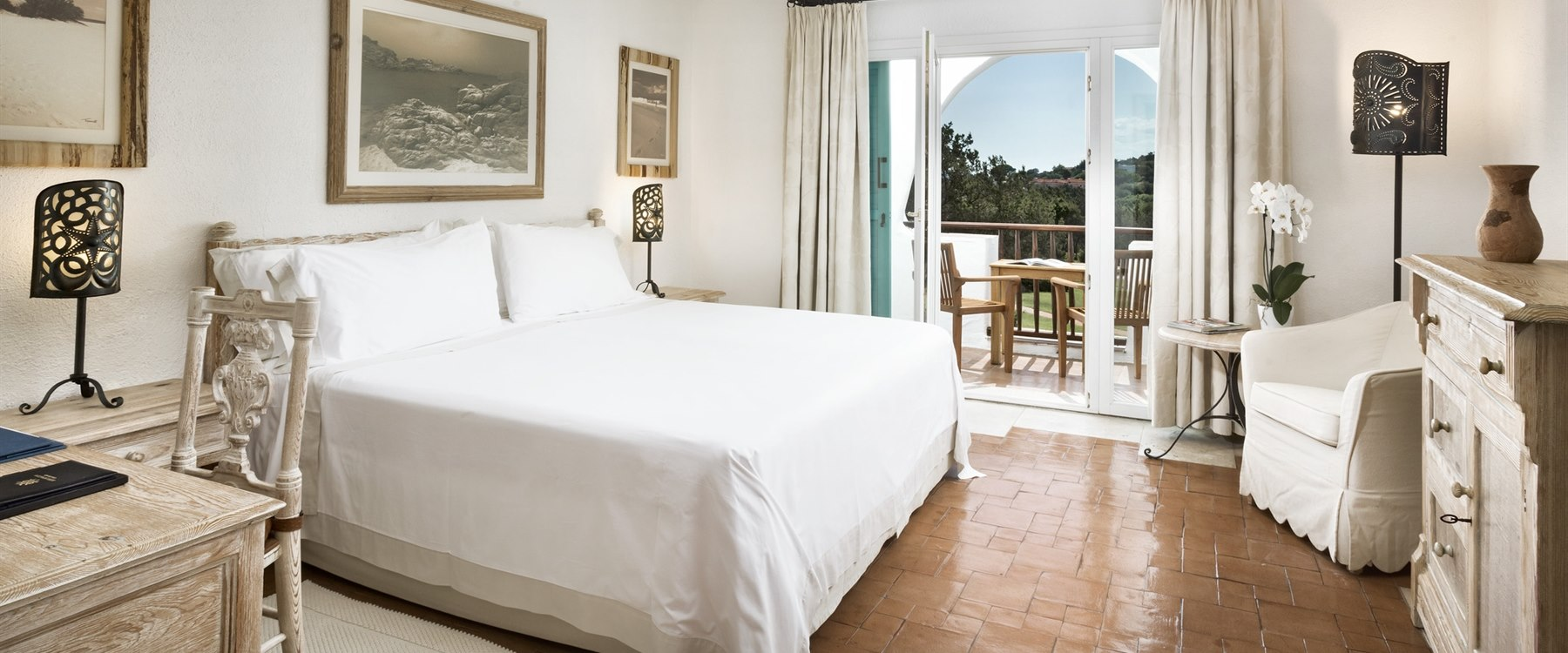 superior double bedroom at Hotel Romazzino, Sardinia