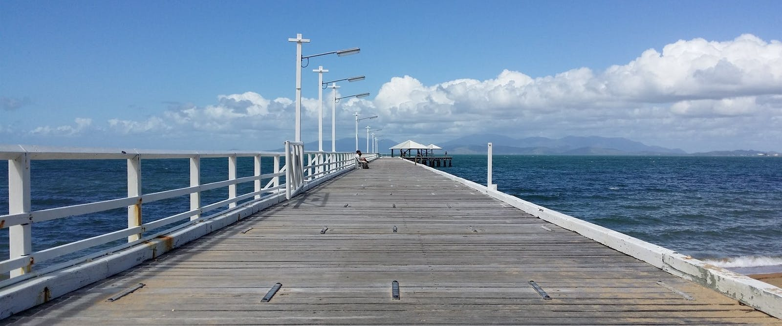 airlie beach to townsville