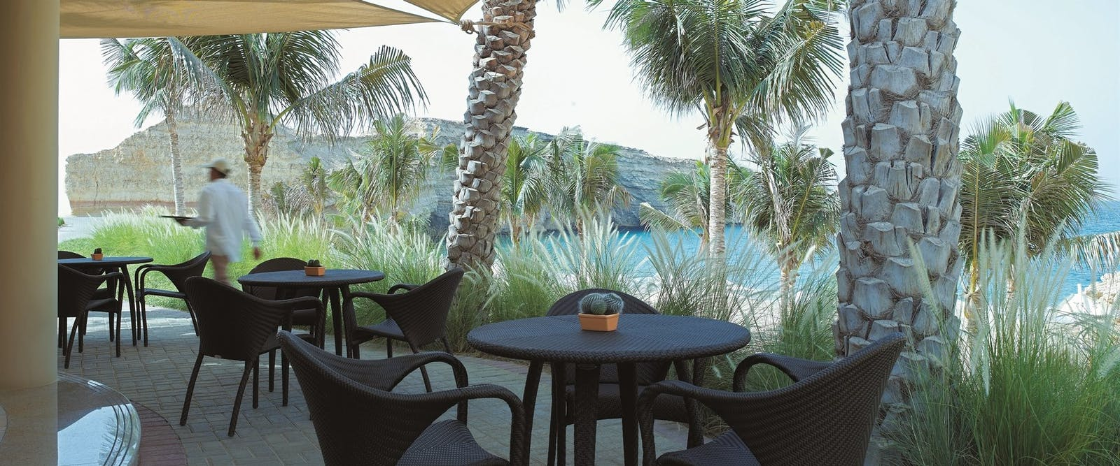 Maharra beach bar at Shangri-La's Al Husn Resort & Spa