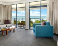 2 or 3 bedroom apartment, Mantra on the Esplanade, Australia