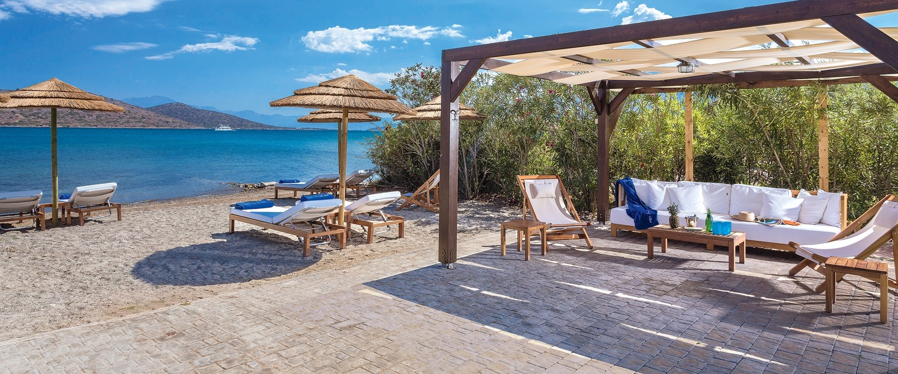 private dining at Elounda Gulf Villas & Suites