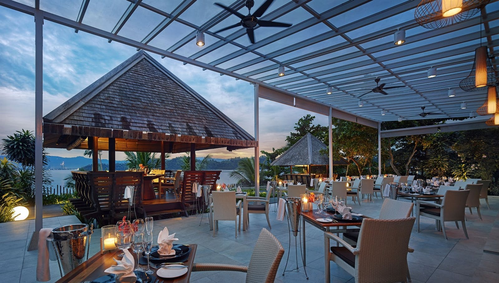 Fishermans Cove Restaurantat Gaya Island Resort Borneo