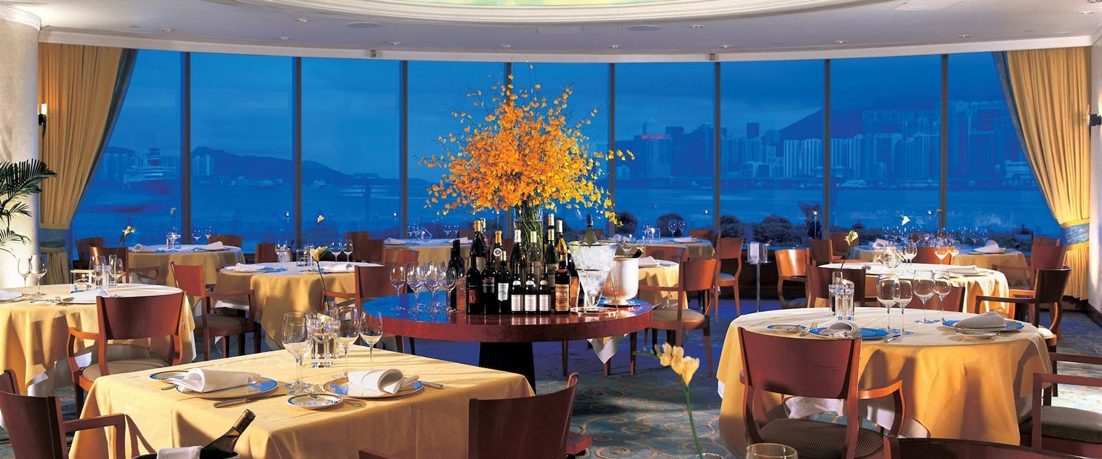 harbour grill restaurant at Harbour Grand Kowloon
