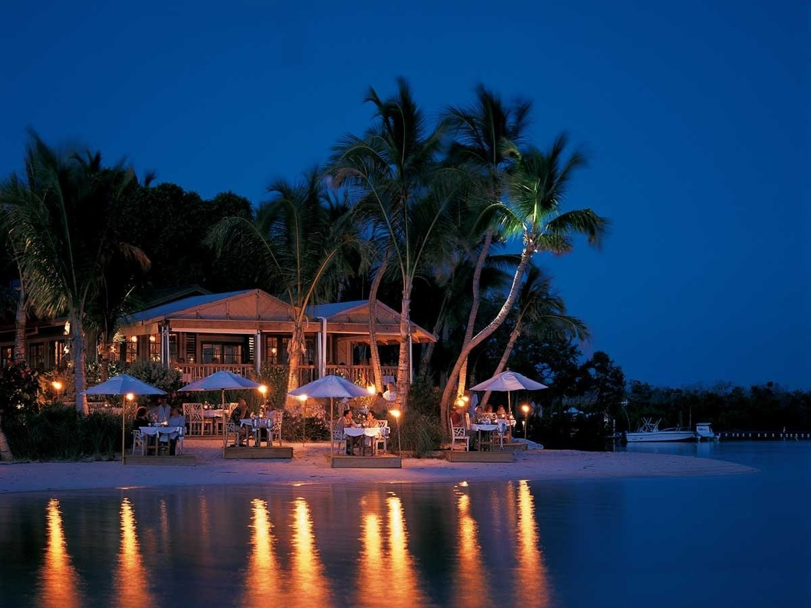 al fresco dining at little palm island resort  spa a noble house resort