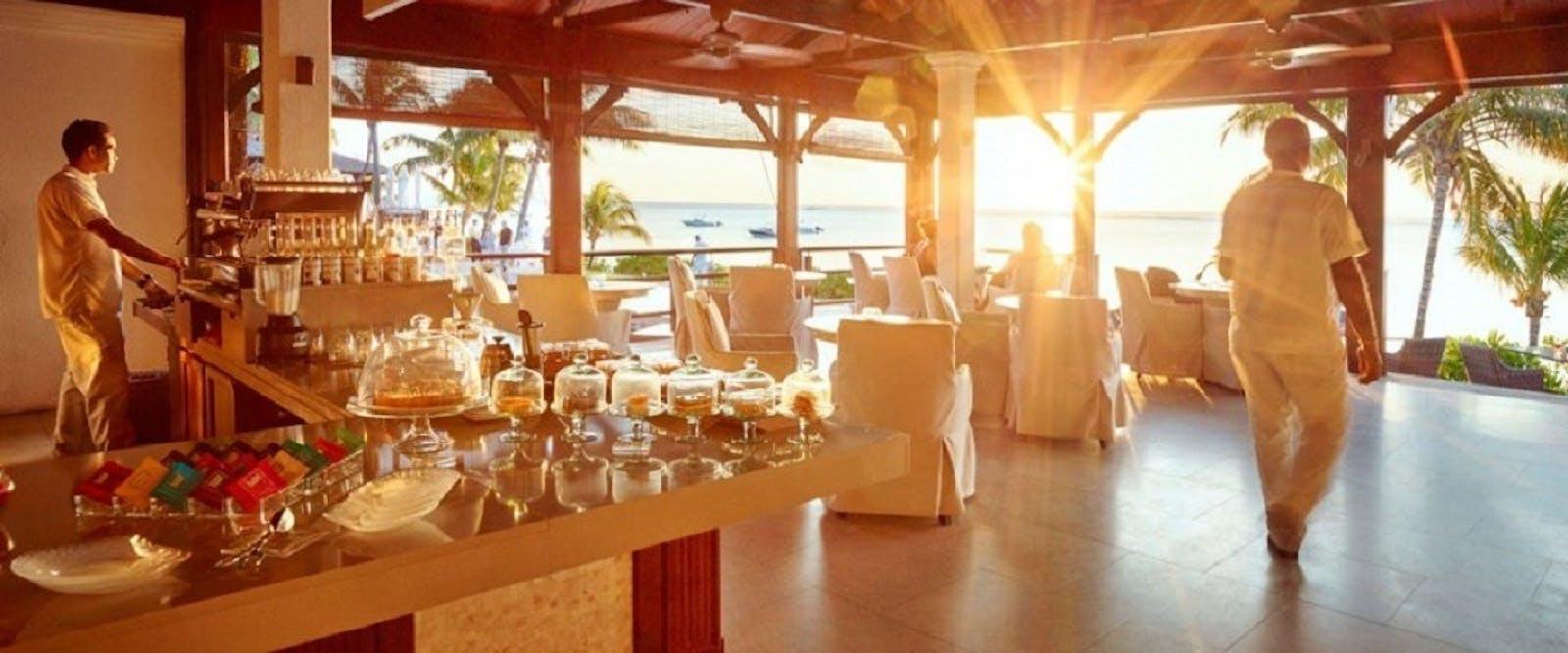 Lux Le Morne Mauritius World Renowned Luxury Hotel Afrika Et Tour Horseback Riding 8 12 Cafe At