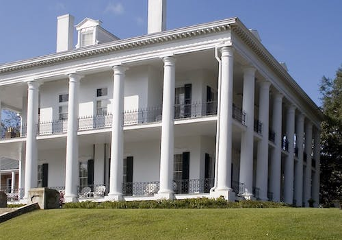 natchez plantation home located on mississippi river. an antebellum home