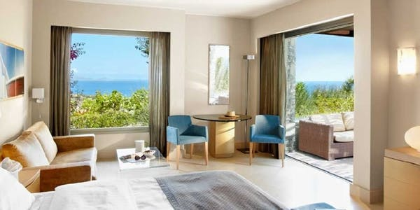 one bedroom suites sea view