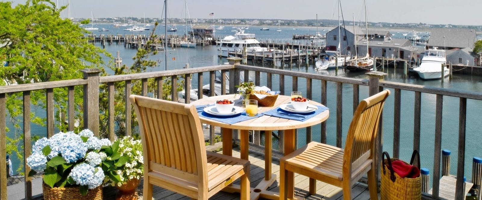 Terrace at the cottages  loft boat basin nantucket