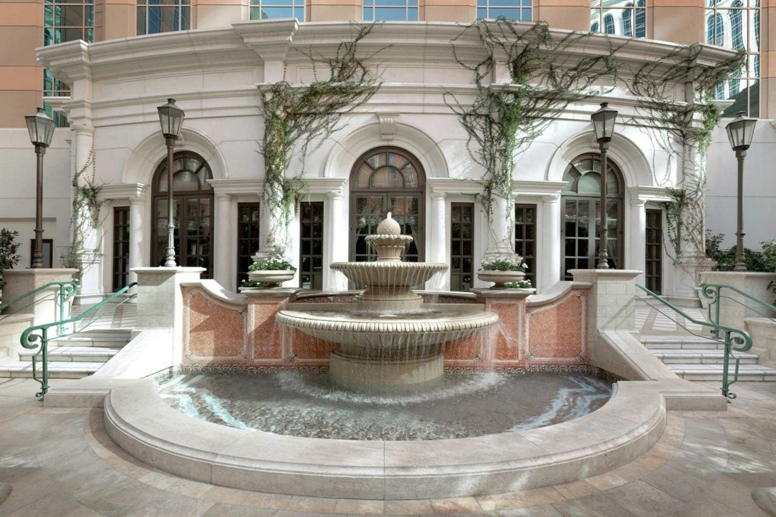 venezia courtyard at the venetian las vegas