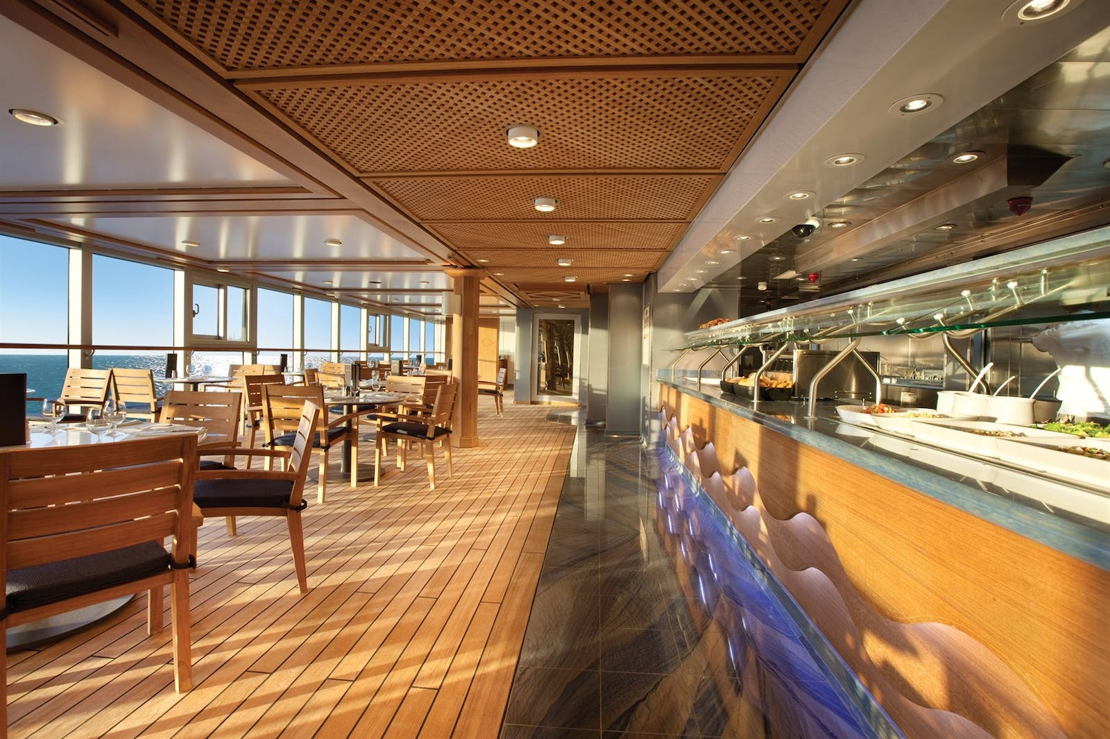 Waves Grill on the Oceania Riveria