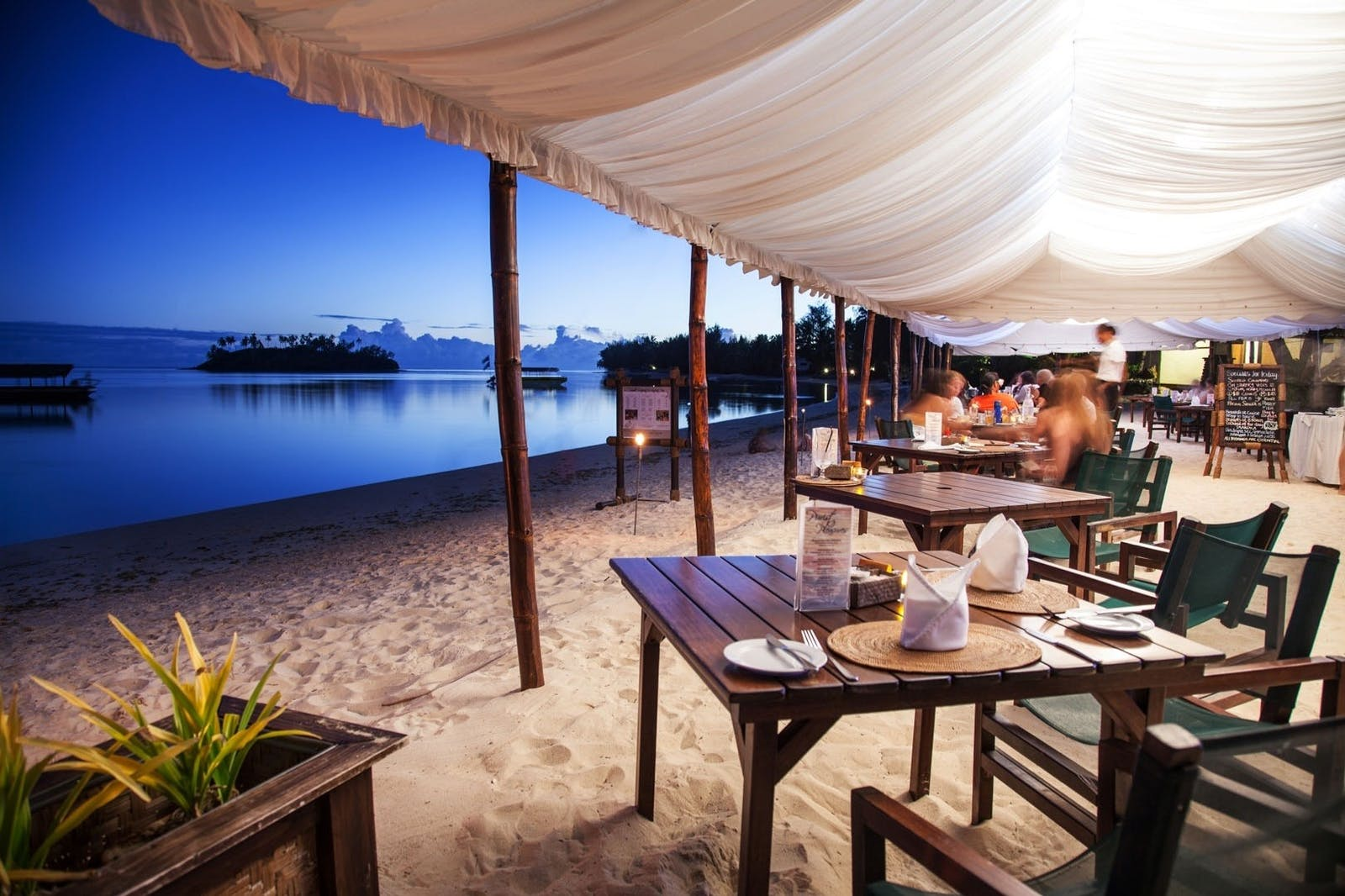 Beachfront Dining at Pacific Resort Rarotonga