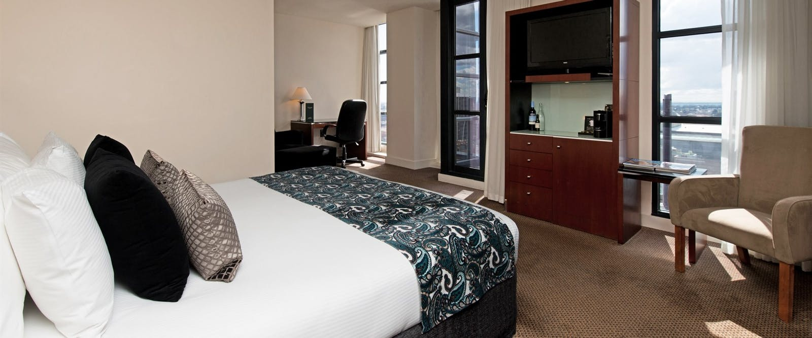 Deluxe room, Peppers Waymouth Hotel, Adelaide