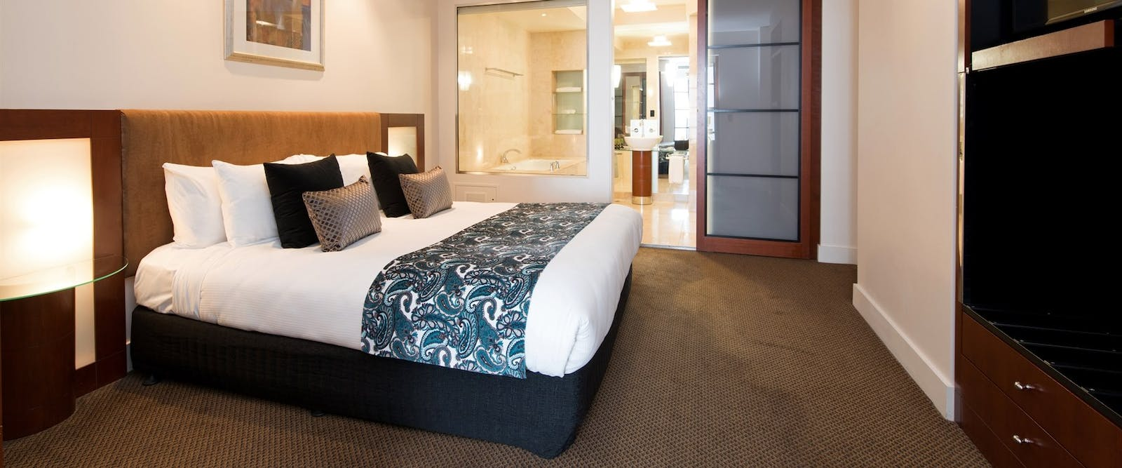 Deluxe spa suite, Peppers Waymouth Hotel, Adelaide