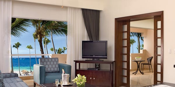 preferred club honeymoon suite jacuzzi tropical or ocean view