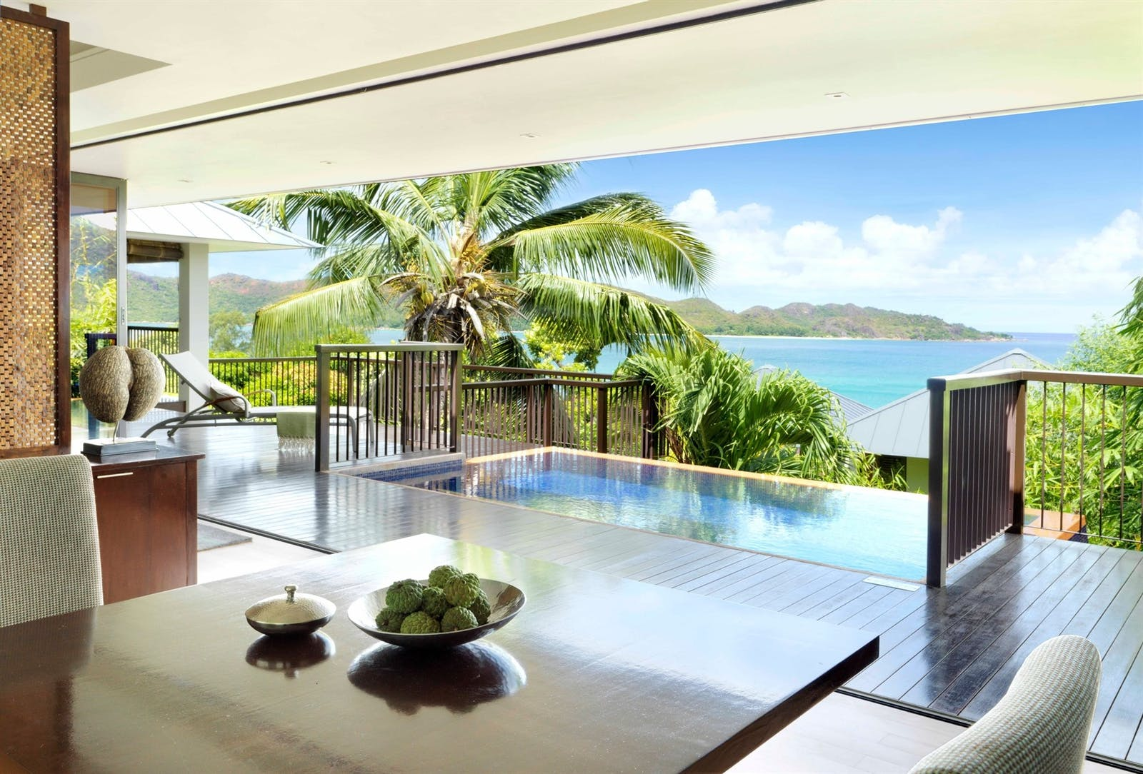 panoramic bedroom at raffles seychelles