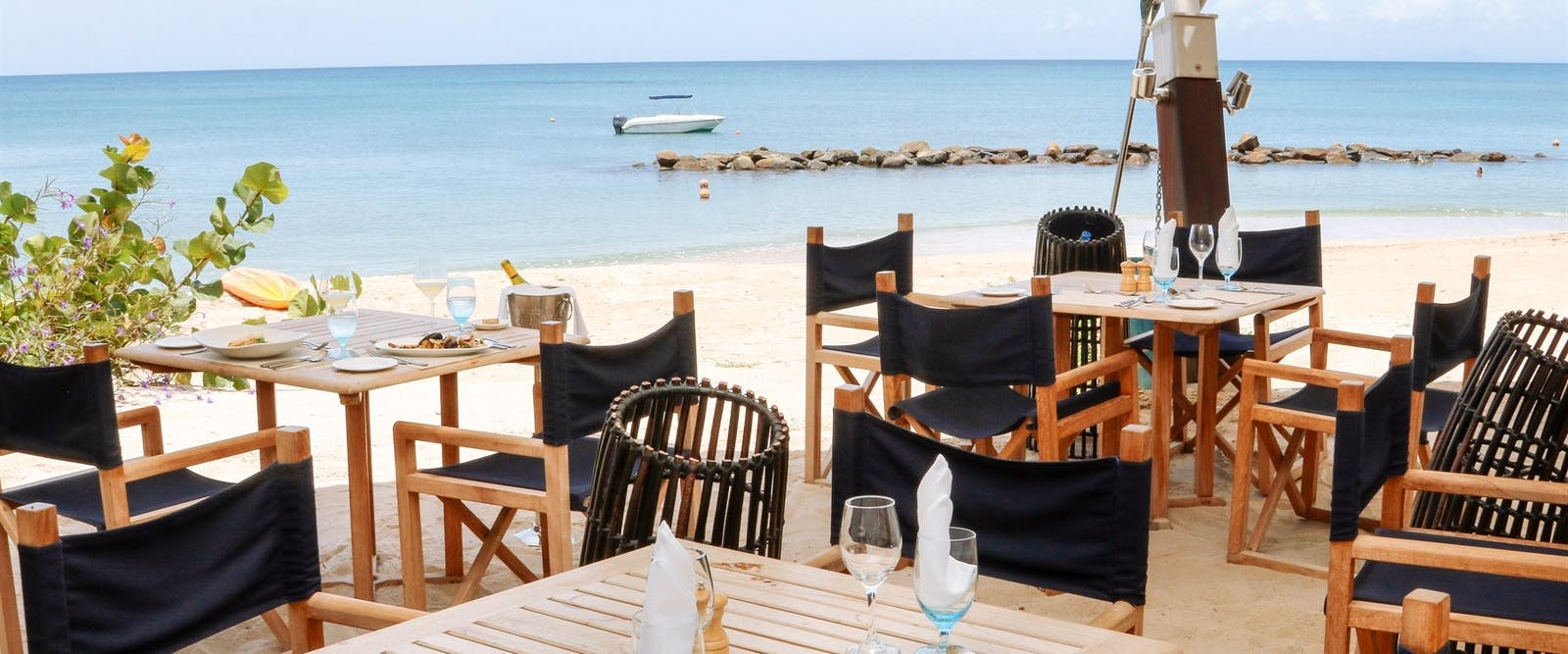 Al fresco beach front dining at Rendezvous, St Lucia