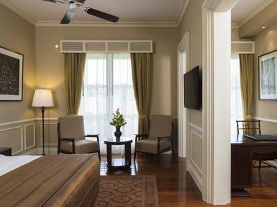 colonial suites