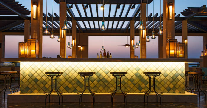Bar at Le Royal Meridien Beach Resort & Spa
