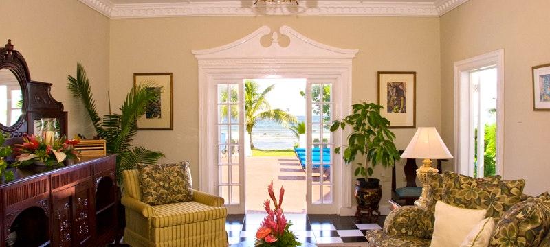 Lounge area at Royal Villas at Half Moon