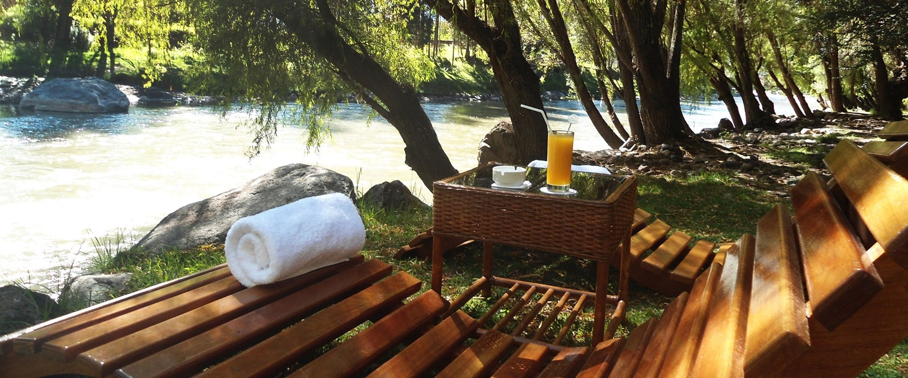 Picnic on the river, Aranwa Sacred Valley