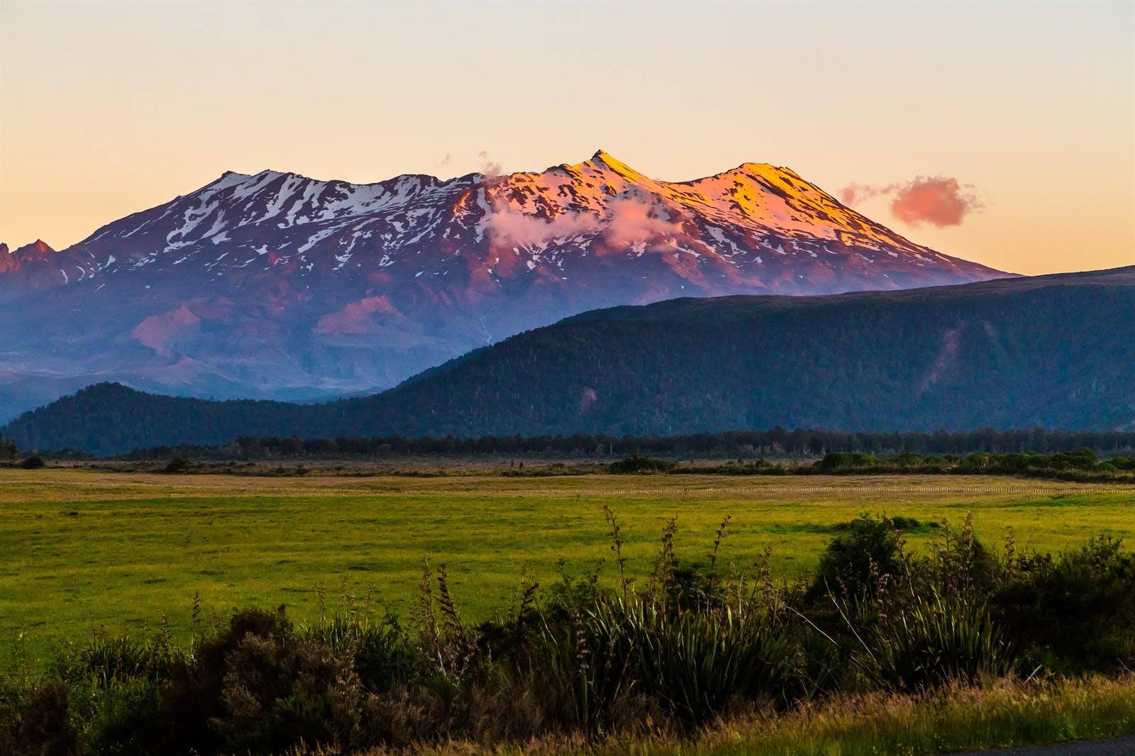 mount ruapehu at sunset tongariro national park