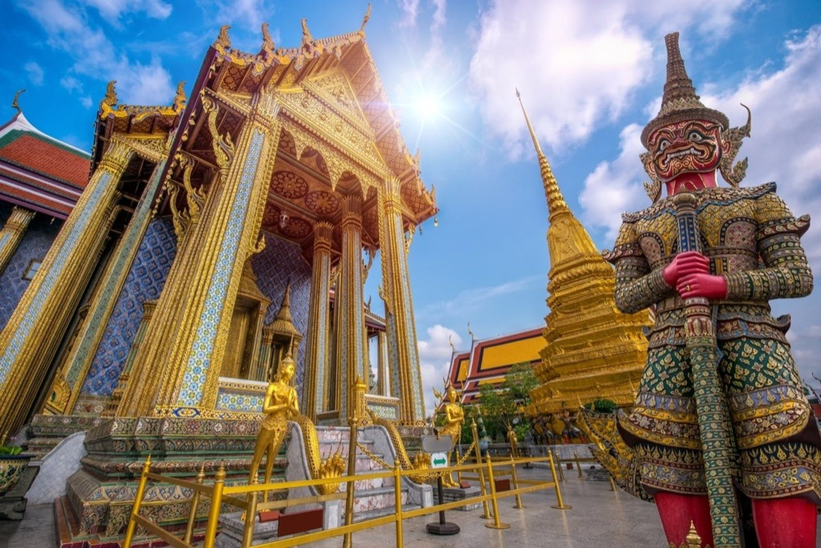 temple of the emerald buddha wat phra kaew bangkok