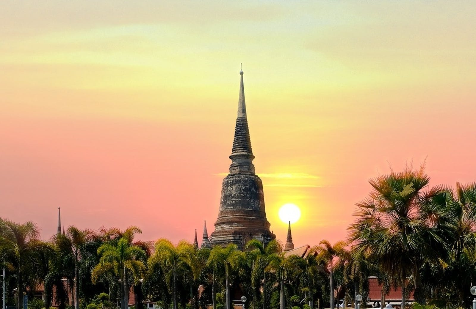 sunset pagoda old temple wat wat yai chaimongkol of ayutthaya