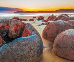 moeraki boulders otago new zealand