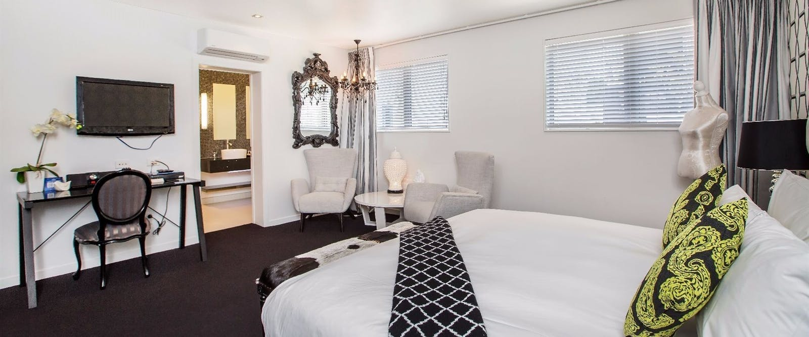 Guest bedroom at Regent of Rotorua
