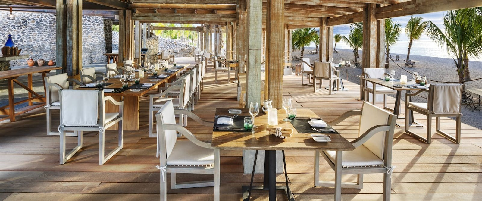 The boathouse grill bar at The St. Regis Mauritius Resort