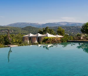 Outdoor pool, Villas at Terre Blanche Provence