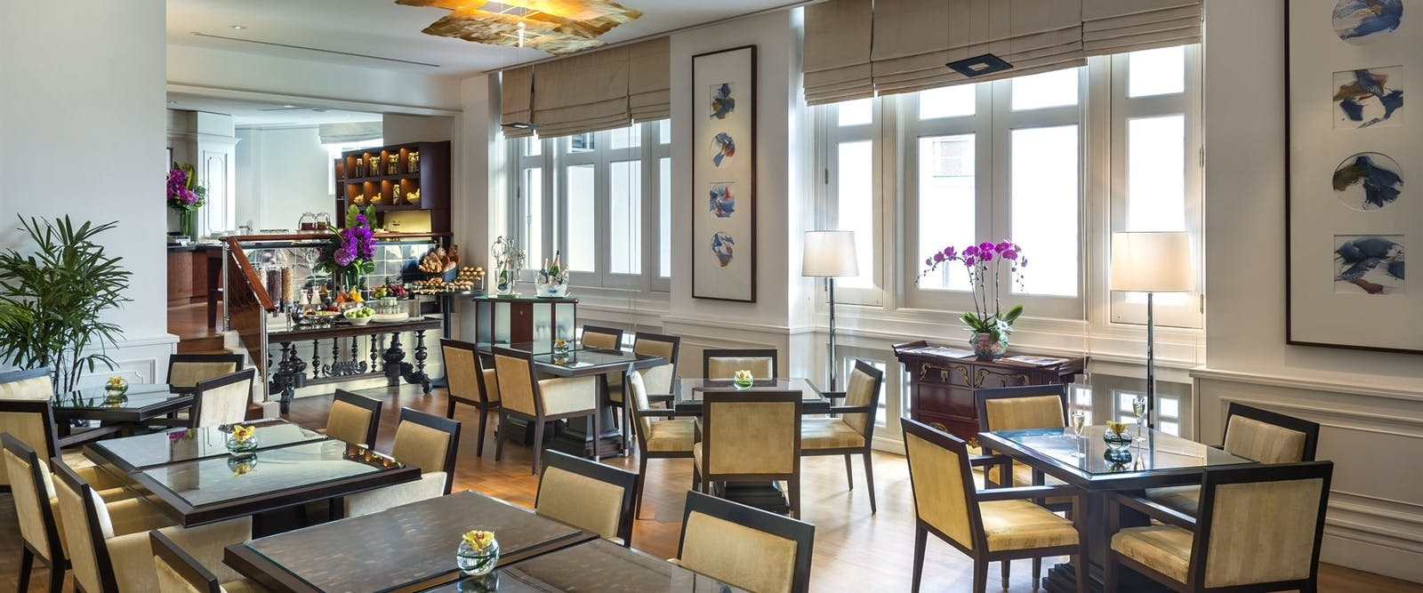The straits club dining area  at The Fullerton Singapore