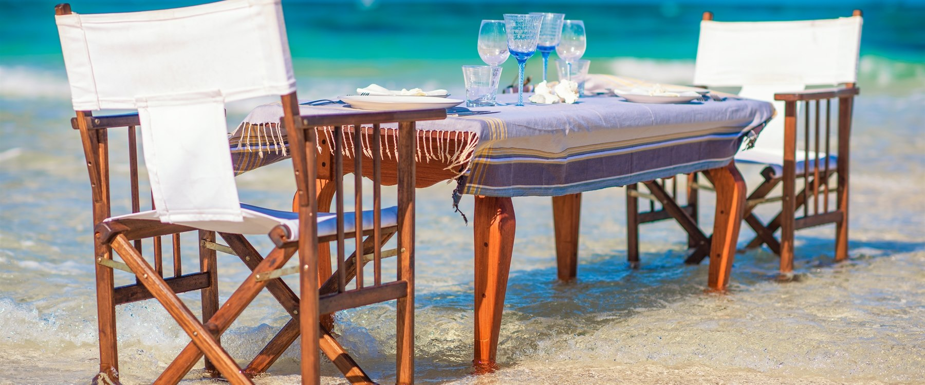 Beachside Dining on Thanda Island