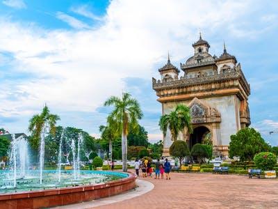 Arrive Vientiane – City Tour