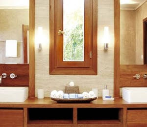 Master Bathroom at Villabu, Canouan Estate