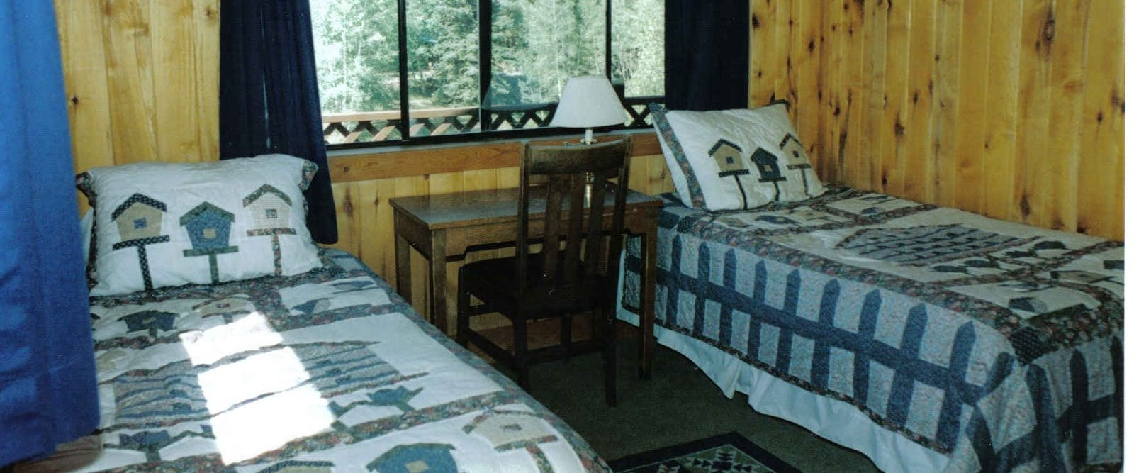 Twin Beds Room At Elk Mountain Ranch